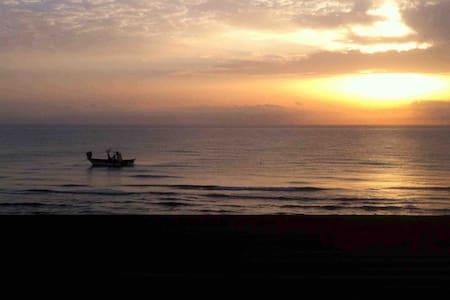 Première ligne vue mer extraordinaire très calme