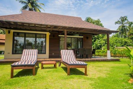 Brand new 2 bed/2 bath beach side villa (Chaba 8)