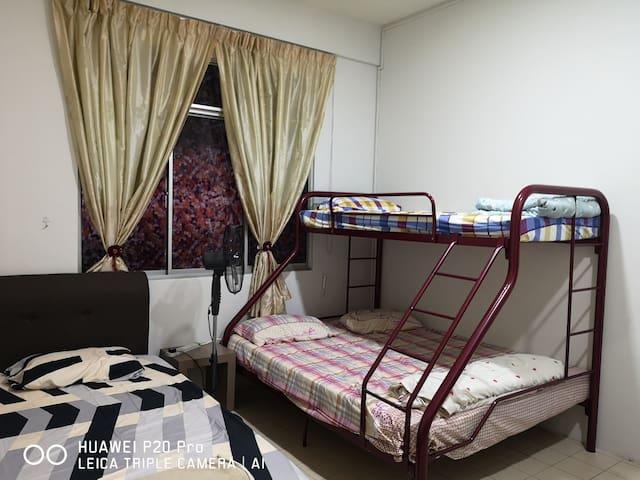 JR21 Room 1
