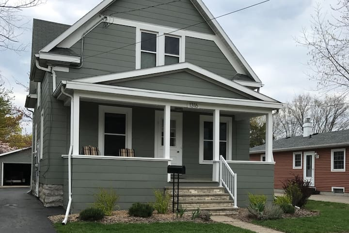 Two bedroom, furnished home by Lake Winnebago