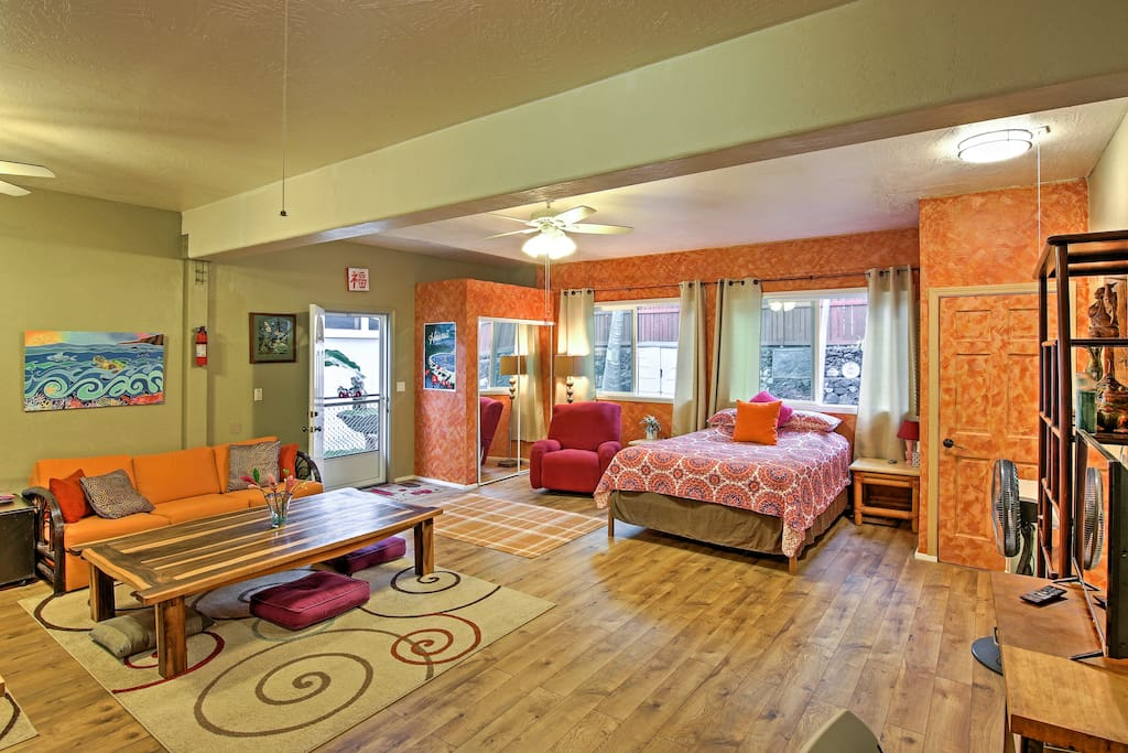 The open concept floor plan allows you to carry on a conversation with your loved ones from any location in the studio.