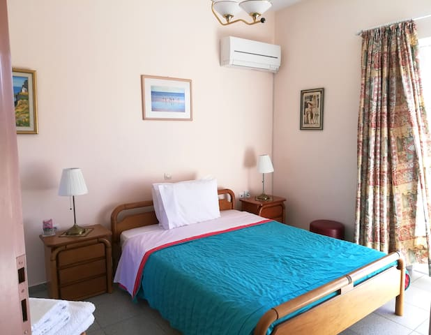 Lovely apartment near the beach & Airport
