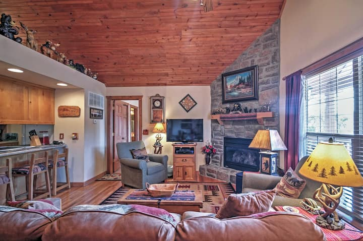 Branson Little Cedar Resort-Style Cabin w/ Porch!