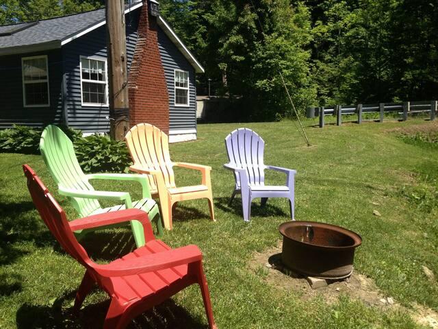Lakeside Summer Cottage