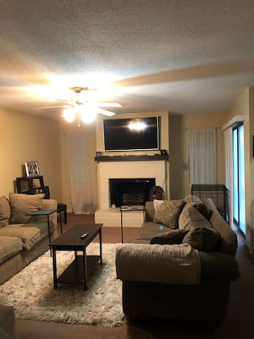 Shalimar Townhome w/pool 15 minutes from the beach