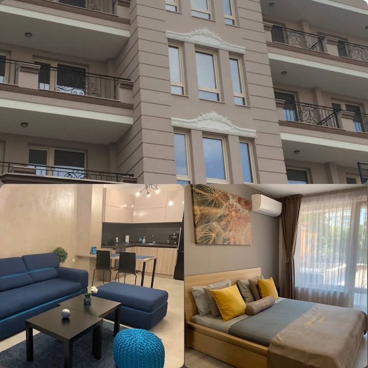 Kapana Luxury Apartment with Garage and Terrace
