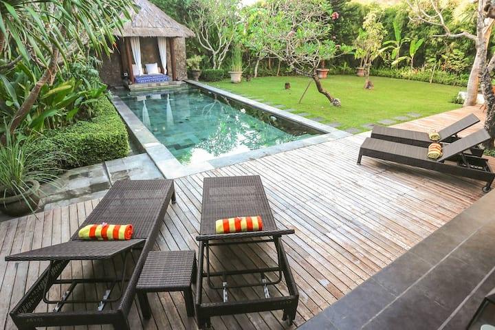 Stunning 2 BR Villa, Seminyak, Bali