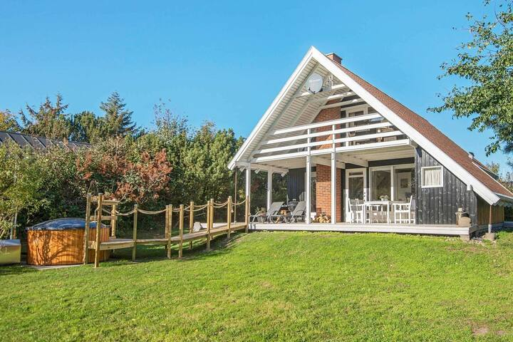 Maison de vacances confortable à Ebeltoft avec sauna