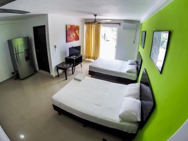Beautiful studio in Cancun best location sleeps 4