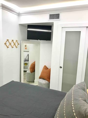 Bedroom #2: One Queen size bed, SmartTV, and a very good closet.