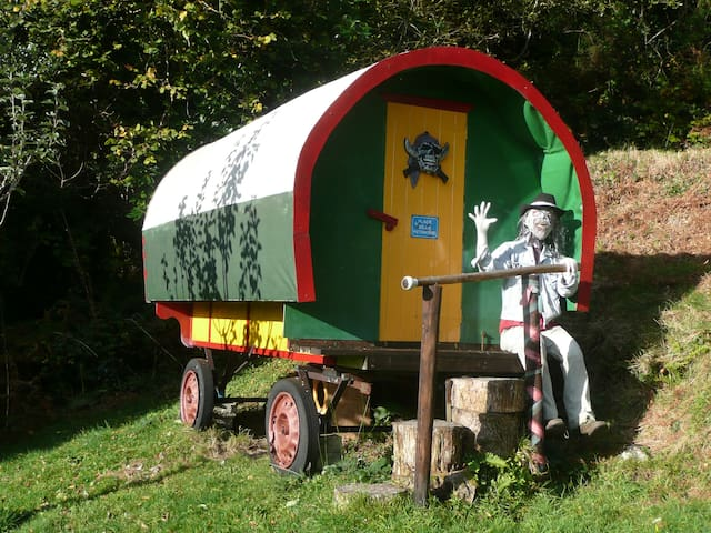 Come to a Gypsy caravan in the Wild of Skyhil - Glengarriff - Camper/RV
