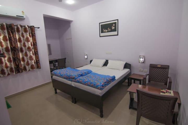 Sanctuary tourist lodge. Bharatpur