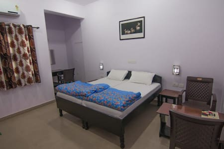 Sanctuary tourist lodge. Bharatpur