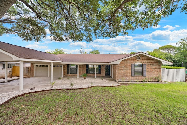 Newly remodeled spacious home in great location