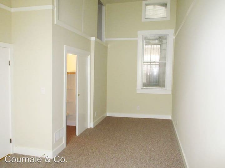 Large one bedroom apartment or rent