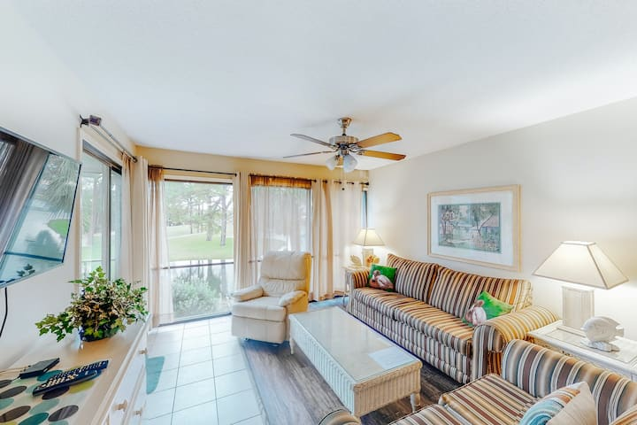 Waterfront condo with shared pool, hot tub, only moments from beach & more!