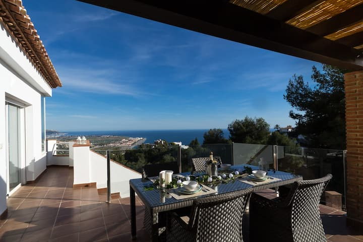 Villa Estrella with private heated pool