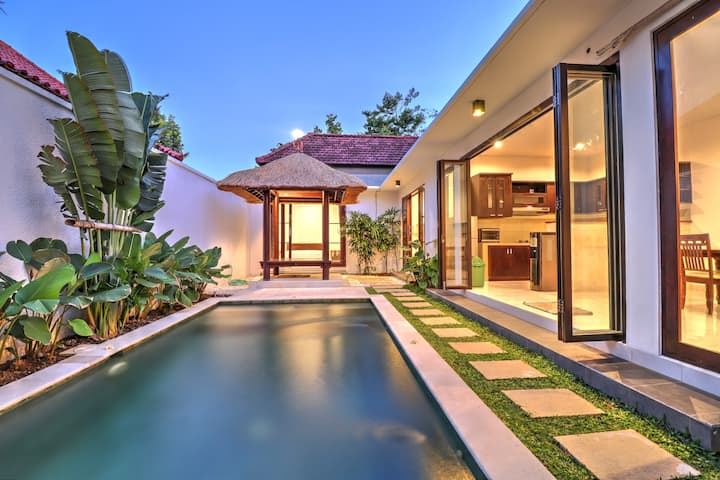"""75% OFF"" 3 BR Villa Clover, Sanur w/ private pool"