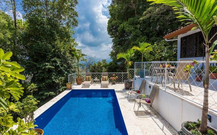 Villa Arturo! 2 BRM, Ocean, Mountain and Town View