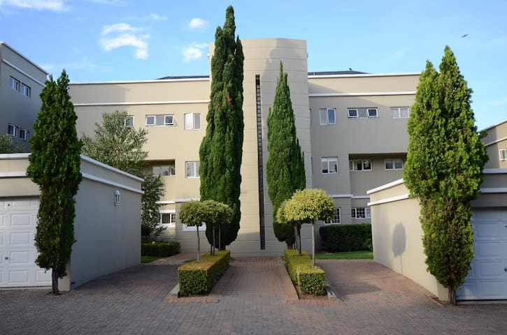 Trendy apartment in the heart of Sandton