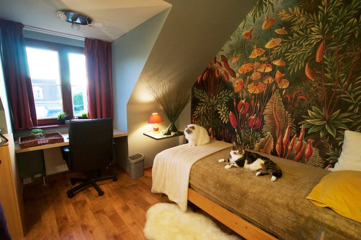 Gent, Villa 'le bon chat' - forest room