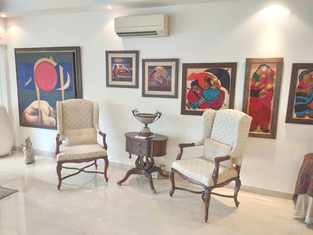 Ensuite Luxury Master Bedroom in South Ex II