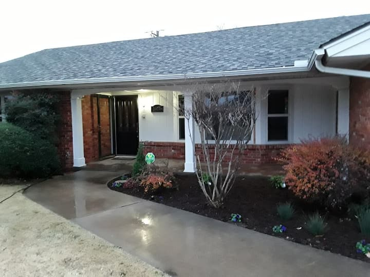 Welcome to the OK-City Ranch 2 Bedroom House