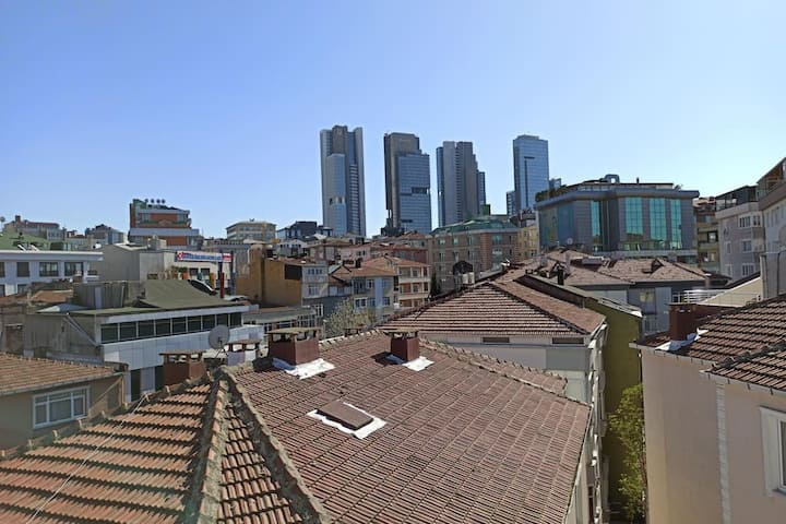 5 BR Huge Apartment with Terrace near Profilo Shopping Mall