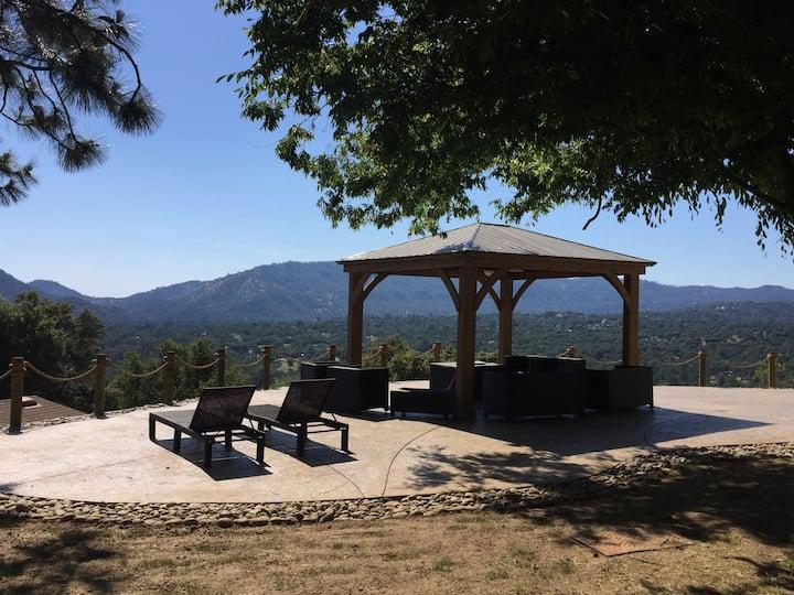 Mountain View Playhouse near Yosemite & Bass Lake