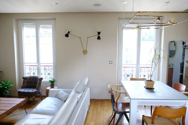 Big 2 Bedroom Apt, 62m2 Bastille Market, Marais