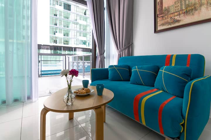 ✧ Comfy 2BR Marina Cove, Free Parking & Pool Level ✧