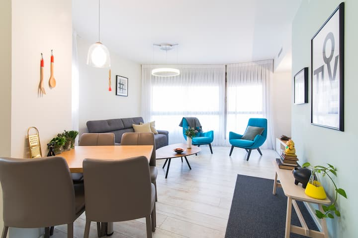 3BR apartment with balcony and private parking