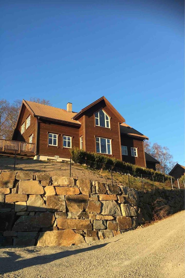 Stort hus- opplev Stavanger,Kjerag,Prekestolen m.m
