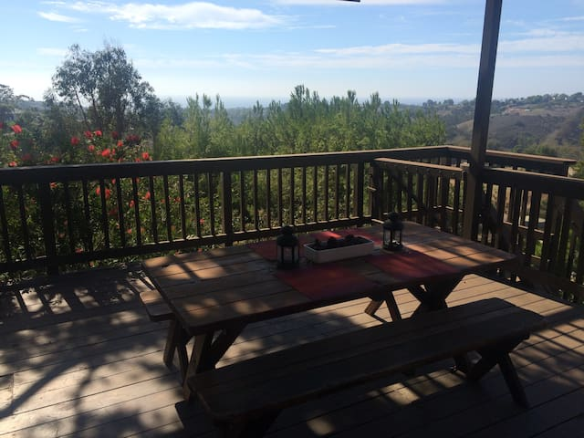 Guest house with beautiful view - Malibu - Hus