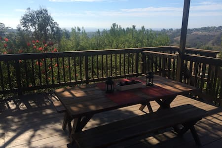 Guest house with beautiful view - Malibu