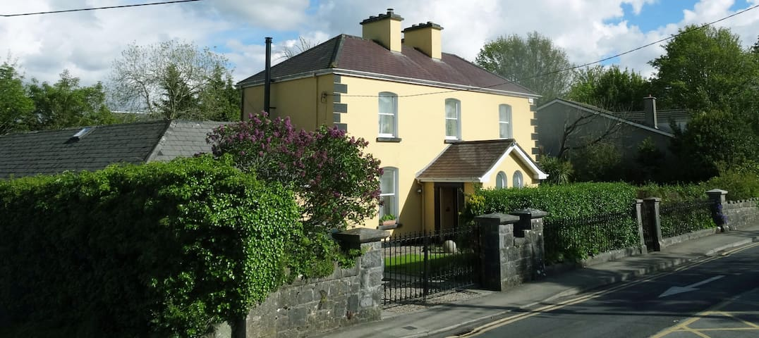 The Coach House Gleneagles. Centrally located.