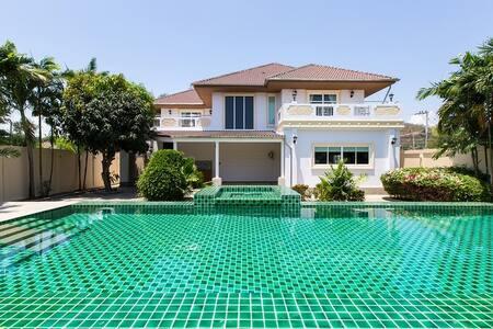 large 5 bedroom pool villa - Tambon Nong Kae
