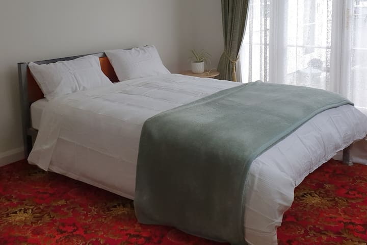 Comfortable Flat great value - prime location