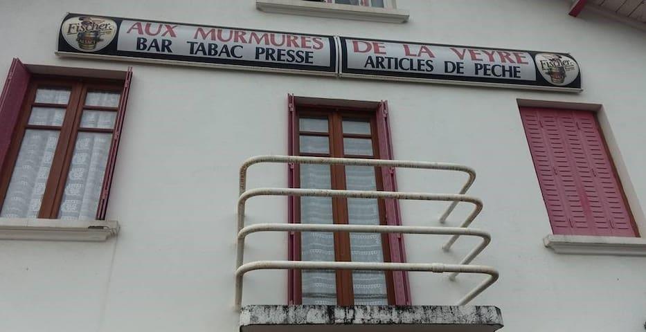 Appartement Spacieux en plein centre bourg d'Aydat - Aydat