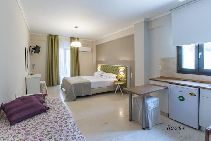 Hotel Oriana - Room 4 - Hill View