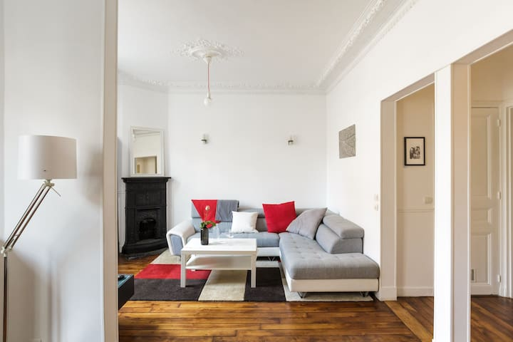 Lovely calm Haussmanian flat - Paris - Apartment