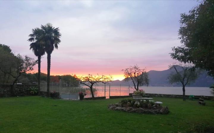 Villa Franca, con parco direttamente a lago