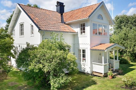 Beautiful countryhouse in Väddö - Väddö - Talo