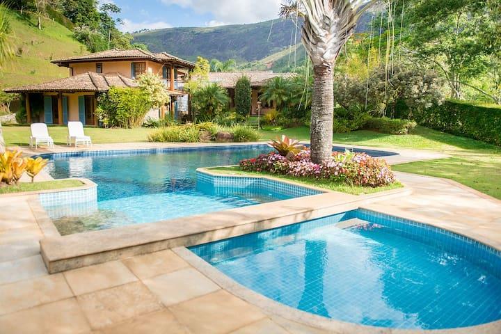 Villa Victoria, Tênis & Spa Itaipava