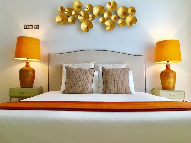 Room 4 (master suite)