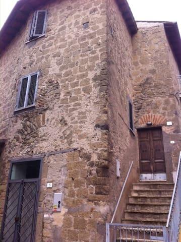A casa di Andrè nel centro storico - Campagnano di Roma - Casa