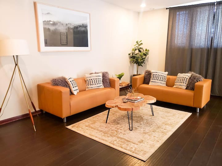 Airy & Clean 2BR Apt.+ Free Covered Garage Parking