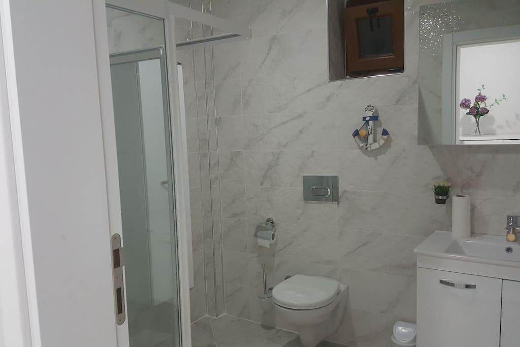 Özel Banyo- Private Bathroom