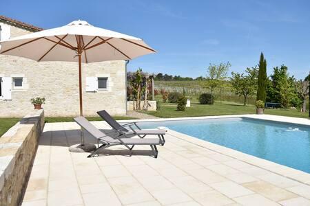 Cottage close to Bordeaux, Saint Emilion, Bergerac