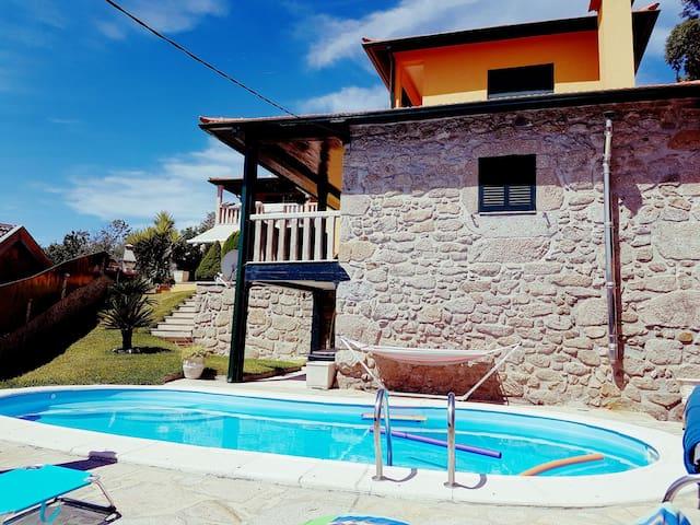 Villa Duas Igrejas Vila Verde + piscine privée - duas igrejas - Huis